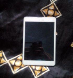 Сломанный планшет VEGA 782