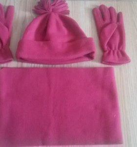 Комплект : шапка , шарф и перчатки