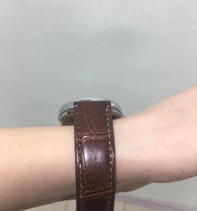 Часы новые унисекс
