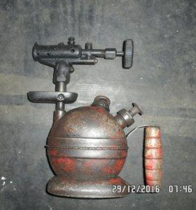 Лампа 30-х годов прошлого века в рабочем состоянии