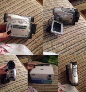Фотоаппарат и камера