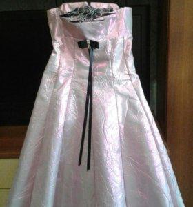Перламутровое розовое платье