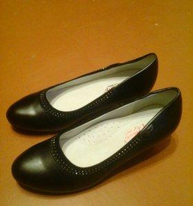Новые туфли (38 р-р)