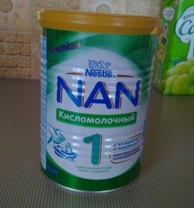 Детская смесь NAN 1кисломолочная