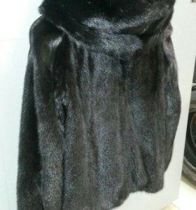 Норковая куртка скапюшоном