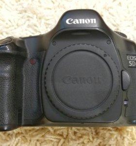 Зеркальный полнокадровый Canon EOS 5D