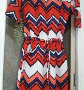 Стильное платье S-M на праздник и на каждый день