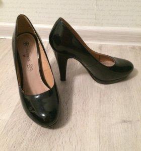 Туфли лаковые, кожаные р.38