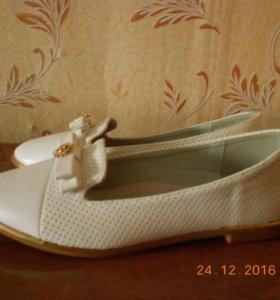 Туфли детские 34 размер(новые)