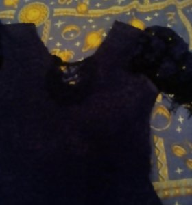 Платье черное с пайетками,сзади шнуровочка.