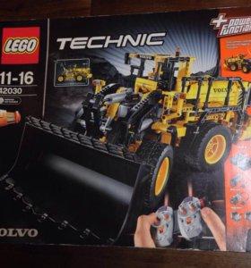 Конструктор Lego Technic 42030 Volvo