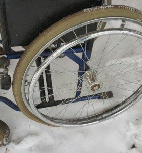 Кресло каталка:для инвалидов))