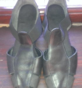Ботинки кожанные 39.