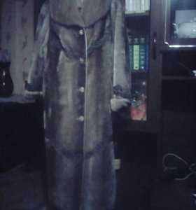 Шуба мутон ,воротник  норка,размер 50.