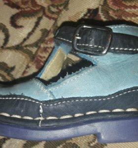 Отличные кожаные сандалии
