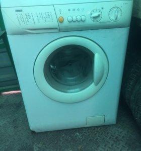 Б/у стиральная машина в отличном состоянии