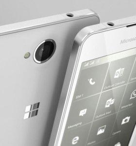 Microsoft Lumia 650. Windows 10.