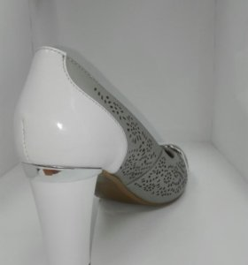 Туфли женские, серо-белые