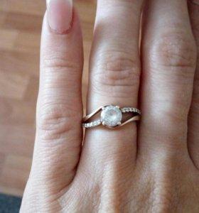 Продается серебряное кольцо. 16.5 размер