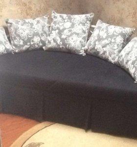 диван - кровать круглая ( новая) ,ящик для белья
