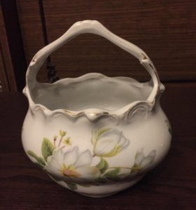 Конфетница  вазочка фарфоровая.