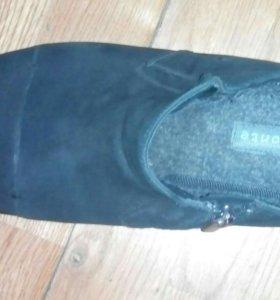 Ботинки  замшевые.
