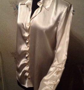 Блузка, красивого молочного цвета, атласная