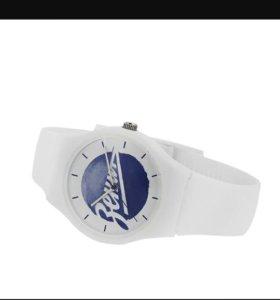 Часы с символикой клуба Зенит