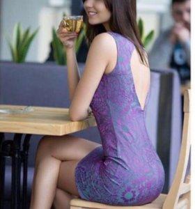 Продаю новое шикарное платье из жаккарда
