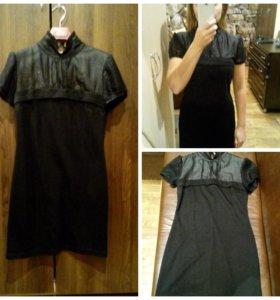 Трикотажное платье с отделкой шифоном