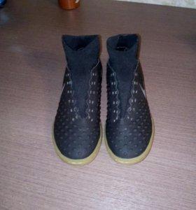Футзальные кроссовки  с носком