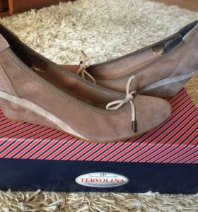 Новые бежевые туфли Tervolina