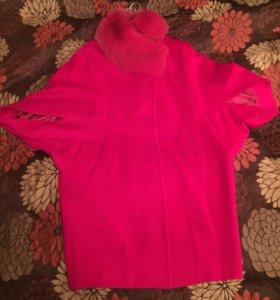 Розовое весеннее пальто