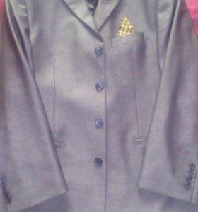 Пиджак, брюки,галстук, за всё прошу!