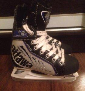 Хоккейные коньки для мальчика