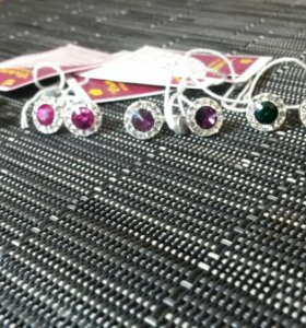 Серебряные гвоздики с кристаллами сваровски