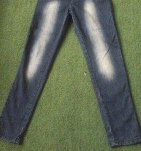 Брюки вельветовые и джинсы для девочки