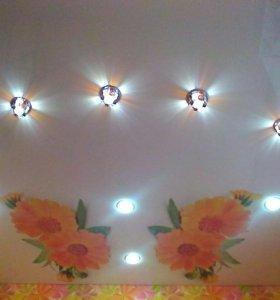 Натяжные потолки ,светильники ,жалюзи