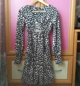 Платье нарядное 42р