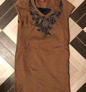 Бежевое платье Zarina