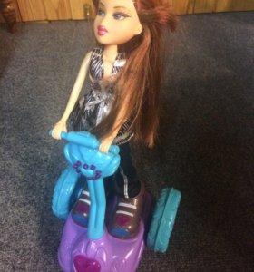 Bratz на скутере