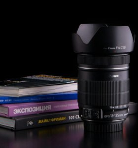 Canon EF-S 18-135mm f/3.5-5.6 IS + бленда