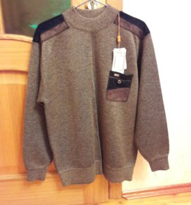 Новый свитер.