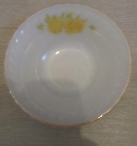 Салатник- пиалка диаметр 16 см.