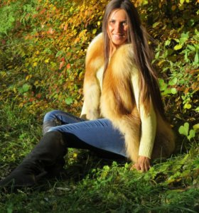 Шикарный меховой жилет из лисы  🦊почти даром )