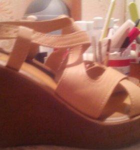 Новые сандали на платформе