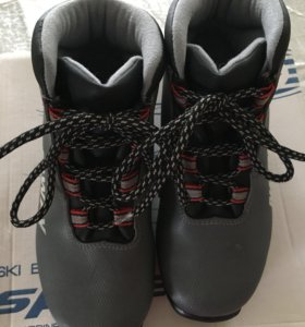Лыжные ботинки детские р.36
