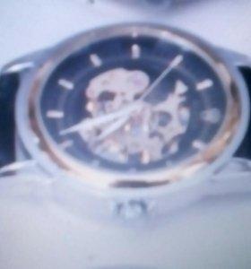 Часы    ROLEX SKELETON