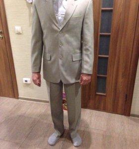 Костюм мужской брючный. Пиджак и брюки.