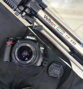 Зеркалка Nikon D3000